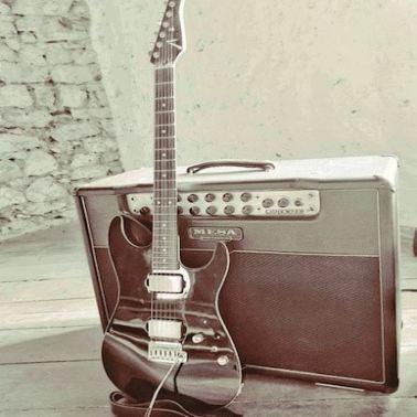 Markus Holz , Gitarrist und Musiker, Fine Art of Guitar, E-Gitarre, Akustikgitarre, Rock, Country, Soul, Fusion, CompingStyle, ClassicEtudes, Gitarrenunterricht, Trier-Saarburg, Luxembourg,  www.FineArtofGuitar.com